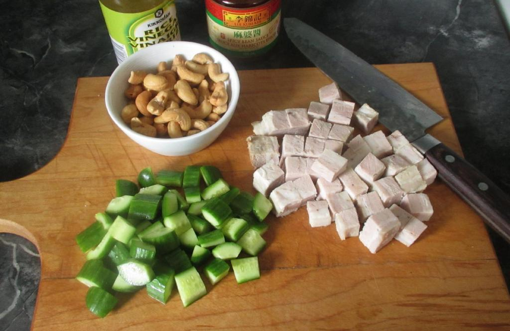 The Main Ingredients for Spicy Cashew Cucumber Pork