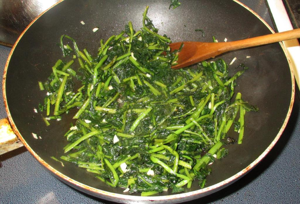Finishing the Namul of Daikon Greens