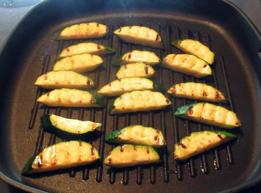 Grilling Zucchini Slices