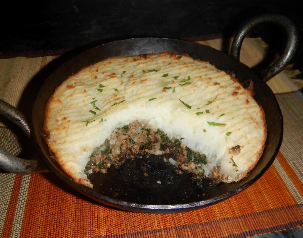 A Keema Pie cut to reveal the filling