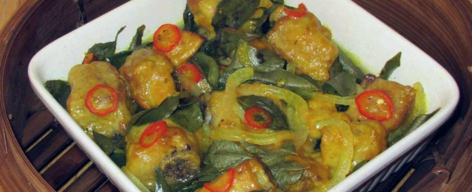 Ribs Steamed with Curry Leaves