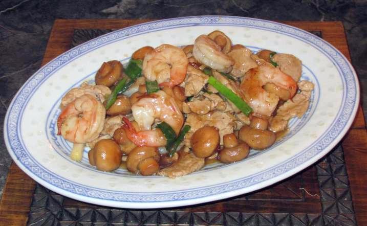Mushrooms Stir-fry Pork and Shrimp