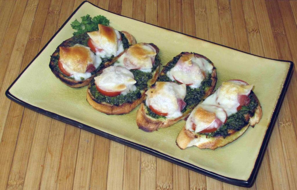Prosciutto and Pesto Crostini Recipe