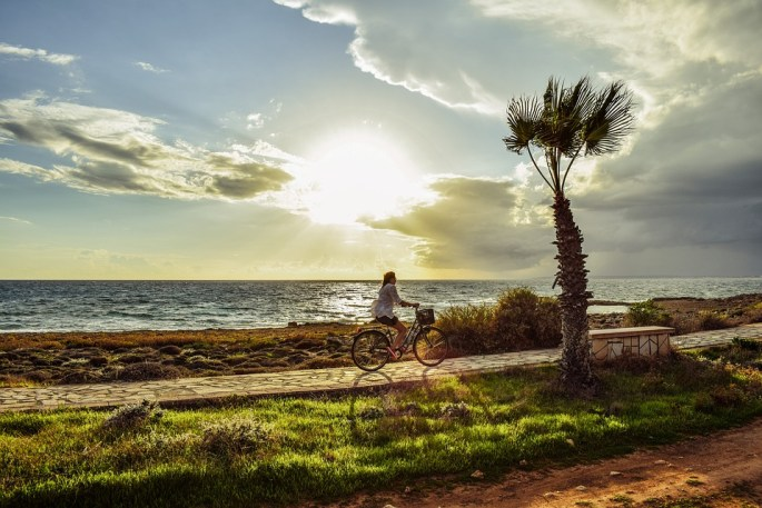 Ride at sea shore