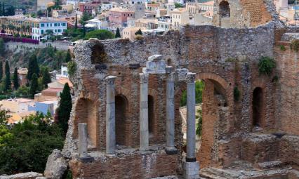 Ruiny starożytnego teatru w Taorminie.