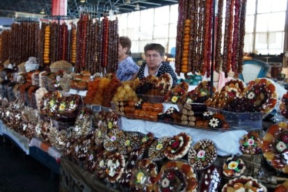 Dried fruit, nuts and other Armenian delicacies