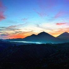 mountains_sky_bali_sunrise_kintamani_indonesia_95497_1920x1080