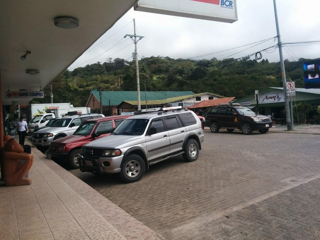 Monteverde street scence