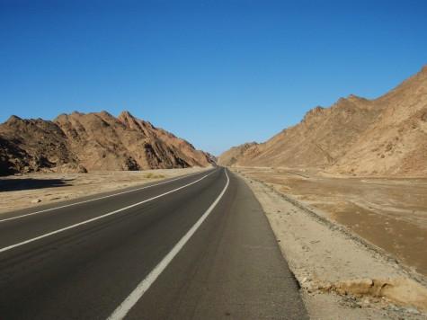 Noe ensformig langs veiene i Egypt, ørken over alt!