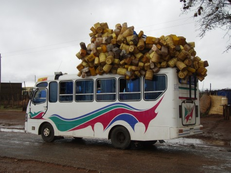 Det er viktig å få med vannkanna si på bussen!