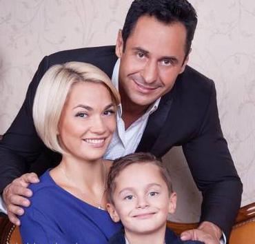 Юлия Костюшкина: биография, личная жизнь, фото. Певец Стас Костюшкин: биография, личная жизнь, семья, жена, дети — фото
