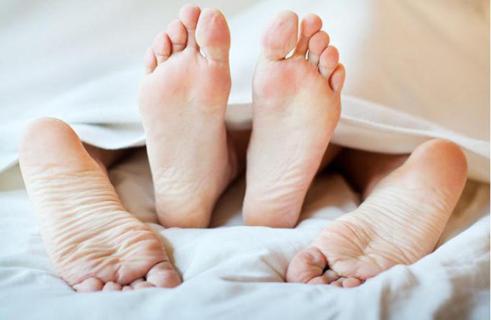 lungimea penisului și picioarele ei)