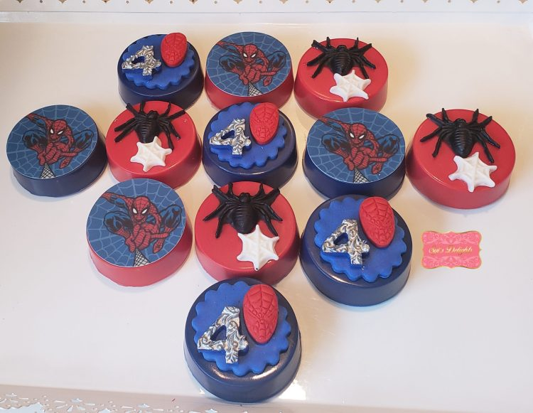 Spiderman Oreo cookies