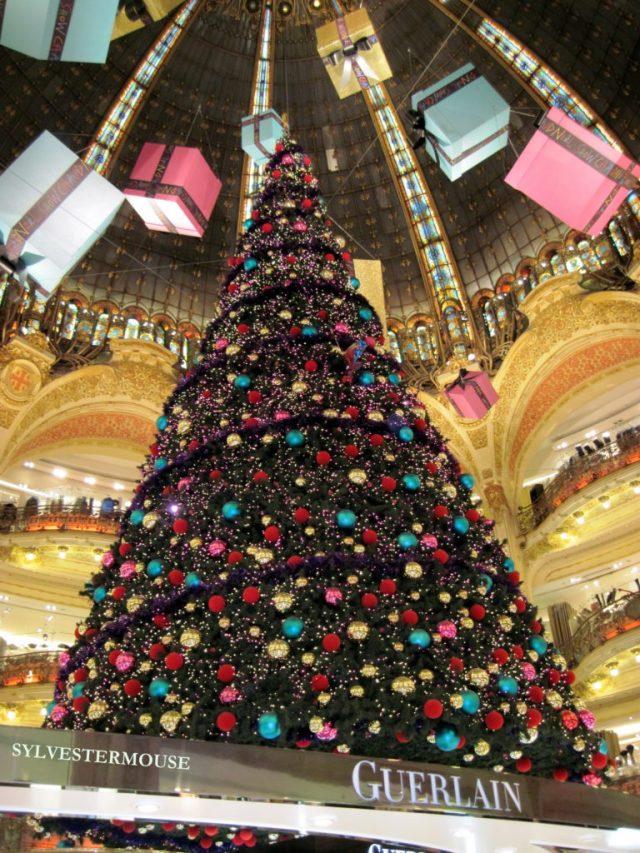 Paris Christmas Tree Photo by Sylvestermouse