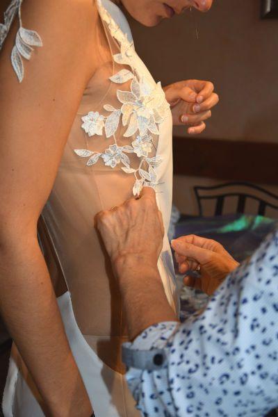 Dentelle de robe de mariée sur mesure