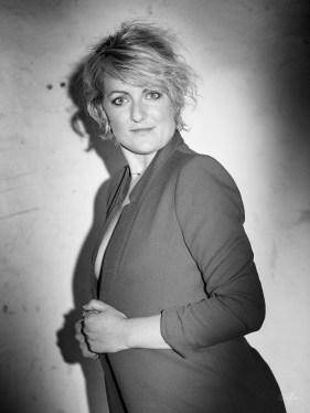 SCP_Sylvie Création Photo Photographe Sylvie Chatelais portrait artistique les créas de Sylvie extérieur nb 1