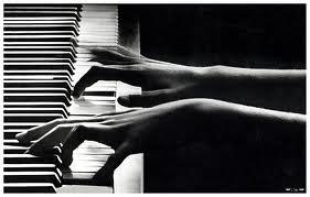 Eduquer les sens comme la main du pianiste.