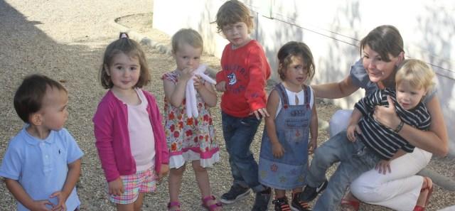 Des élèves de maternelle.