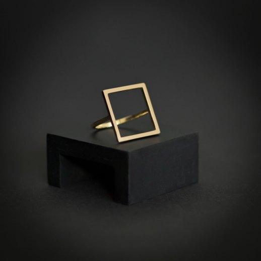 Bague carrée en or collection Mind The Gap