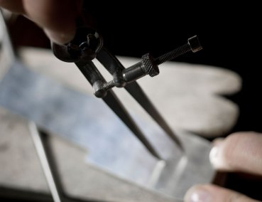 Production of a custom made jewelry