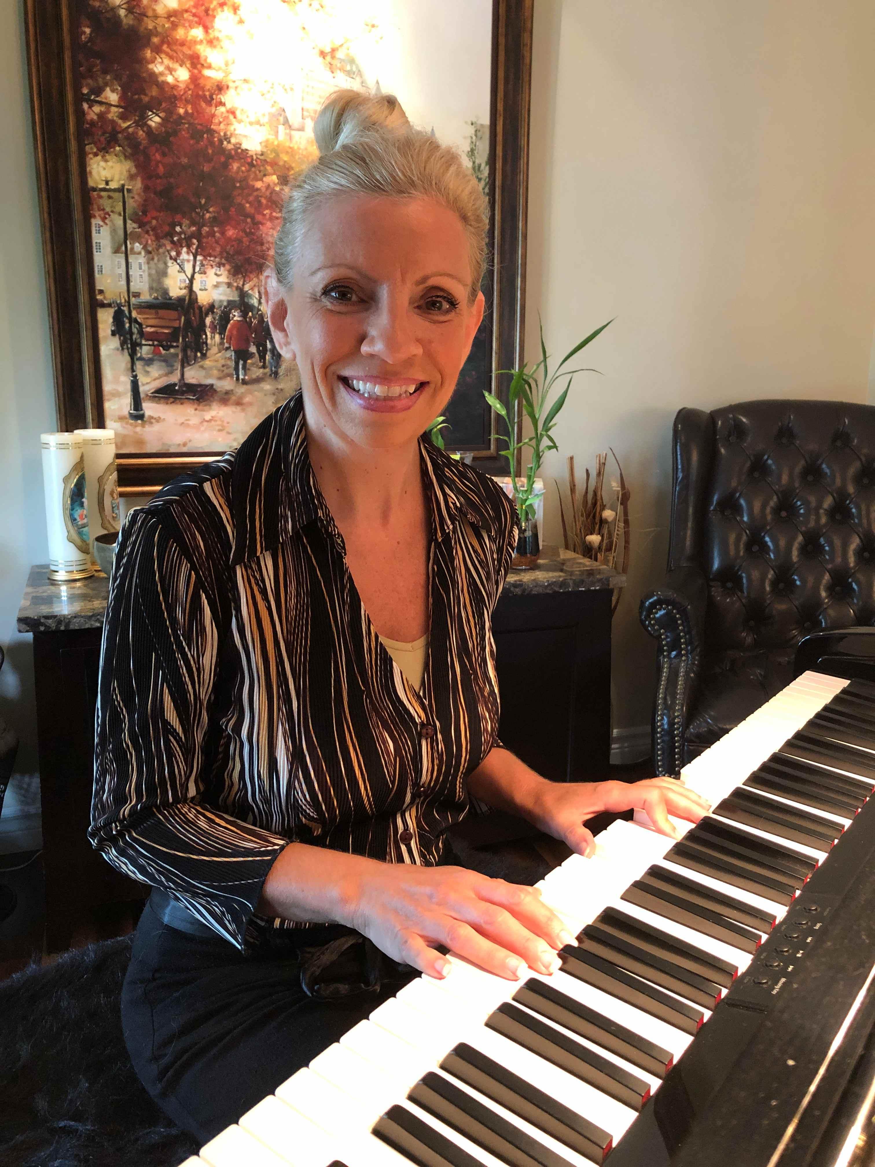 Sylvie à son piano
