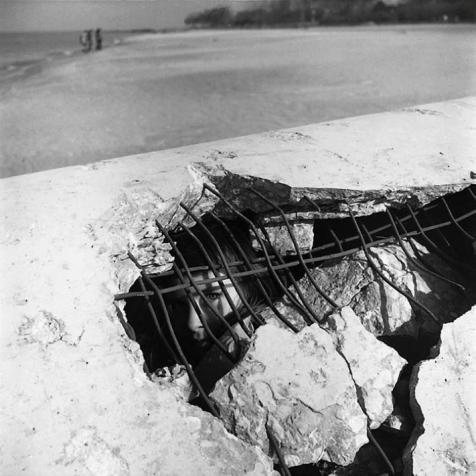 Galerie Frédéric Moisan : Vivian Maier La galerie présente la première exposition à Paris dédiée à la photographe de rue américaine Vivian Maier (1926-2009) qui vécut dans l'anonymat comme nounou à New-York où elle est née et à Chicago où elle est décédée et dont le travail jamais publié a été seulement redécouvert après sa mort en 2009.