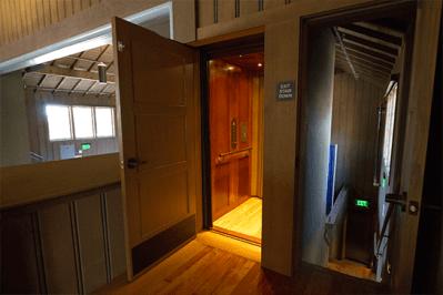 Hybrid vertical platform lift in commercial setting