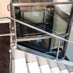 Vertical platform lift in commercial application