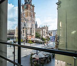 Widok Pałacu Czeczotka na Ratusz i Rynek Główny w Krakowie