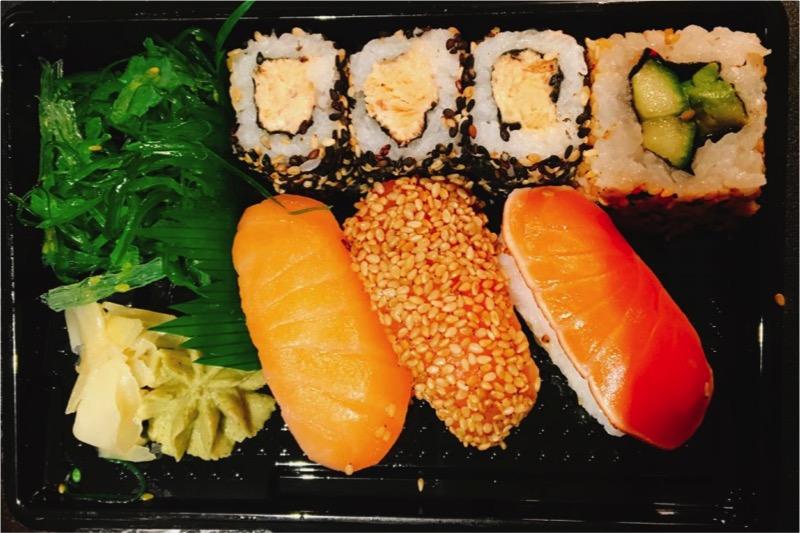 ストックマンで買ったサーモン寿司