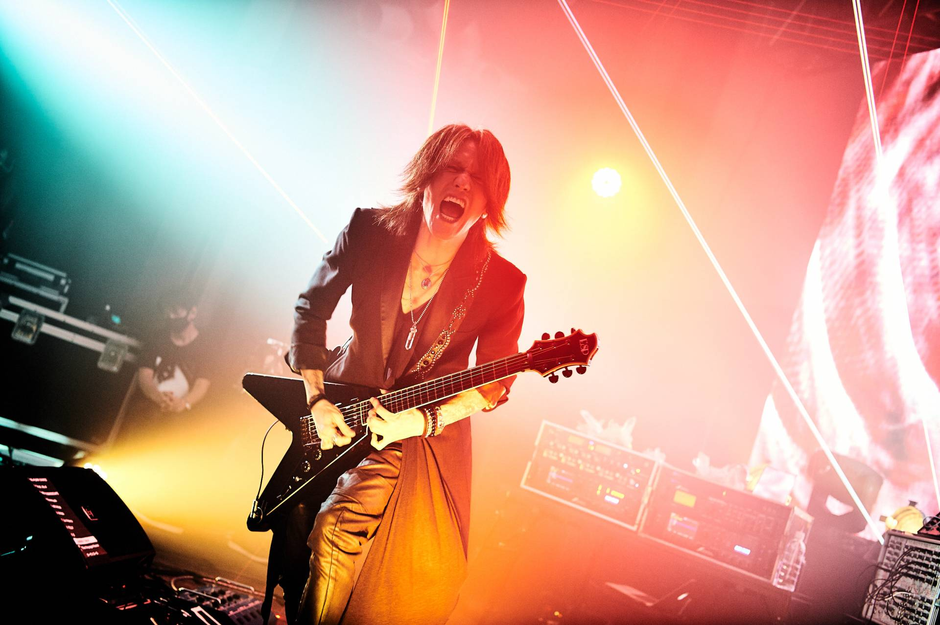 SUGIZO LIVE STREAMING FROM TOKYO EPISODE I ~RE-ECHO TO COSMIC DANCE~