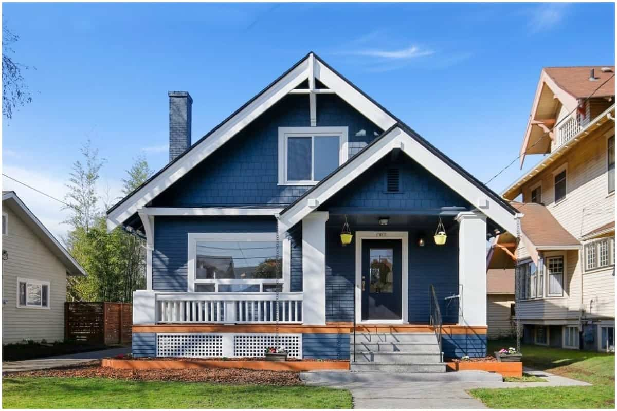 front_house_blue