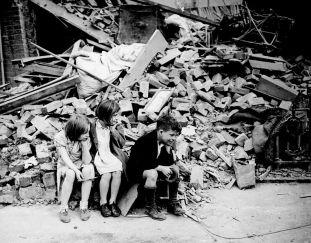 Children left homeless during London Blitz, World War II