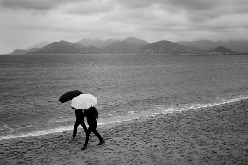 walk in rain  © Thomas Leth-Olsen with CCLicense