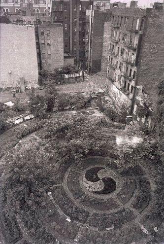 Adam Purple's Garden, Lower East Side, New York, New York © Tom Yarus with CCLicense