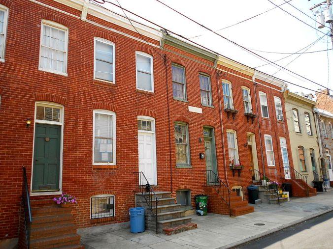 1024px-Douglass_Houses_Baltimore.JPG