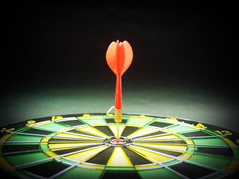 arrow_blur_board_close_up_dart_dartboard_darts_focus-946247