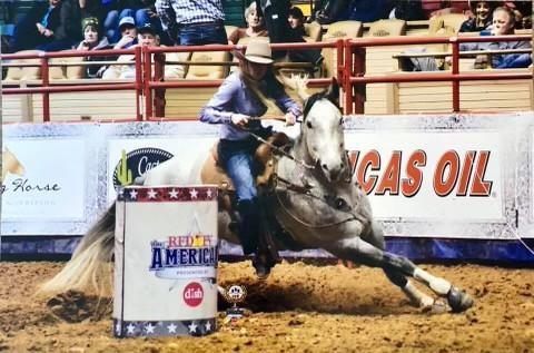 Sara Sinclair Barrel racing