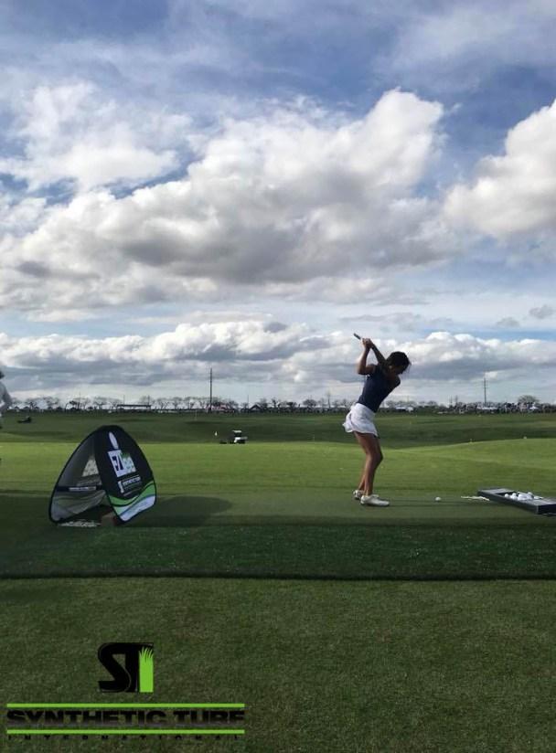 2018 PGA Show Girl Golfing