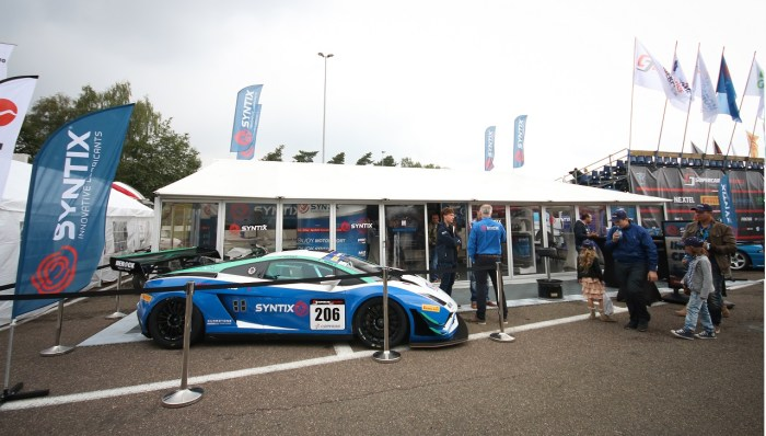 Syntix Superprix in Zolder - Supercar Challenge powered by Pirelli - White and blue Lamborghini Gallardo FL2 GT3 stand - Syntix Innovative Lubricants
