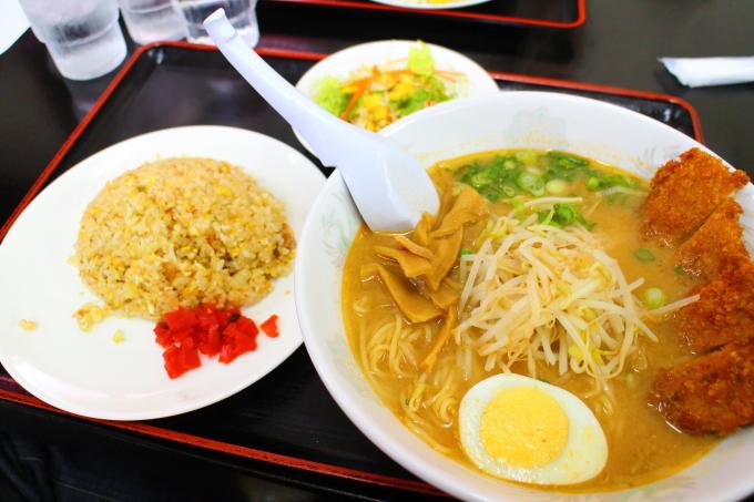 豚太郎高須店の味噌カツラーメン花セット