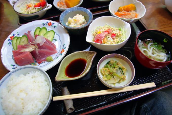 高知市神田のごはんやカフェ「木の蔵」のランチは手作り料理満載!
