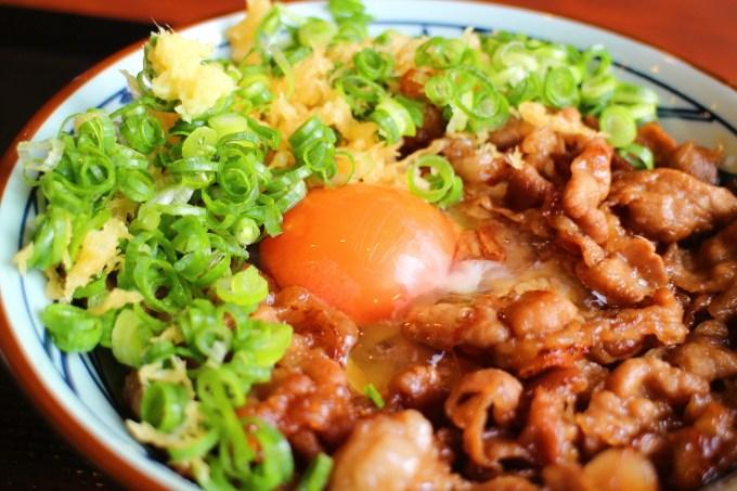 丸亀製麺牛すき釜玉うどん