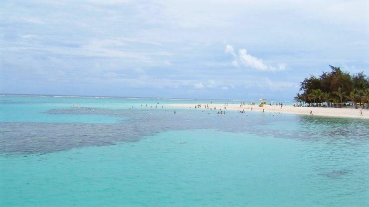 マニャガハ島ビーチ