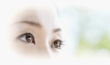 飛蚊症と網膜剥離の症状の違いは?それらの原因はストレス?