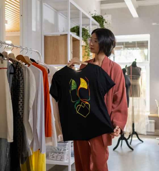graphic T shirts Women