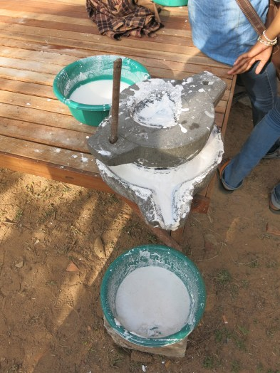 Khmer rice flour mill - ត្បាល់កិន