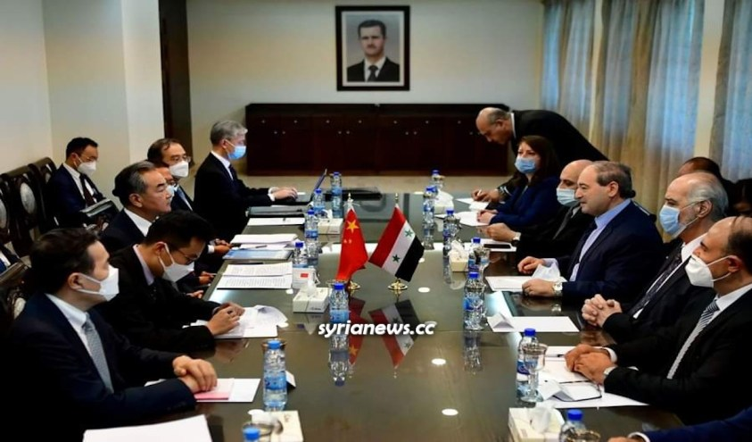 Chinese Foreign Minister Wang Yi holds takls in Damascus and signs economic agreement