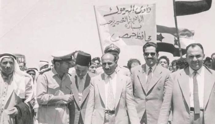 محافظ حمص مصطفى رام حمداني في زيتا القصير عام 1961