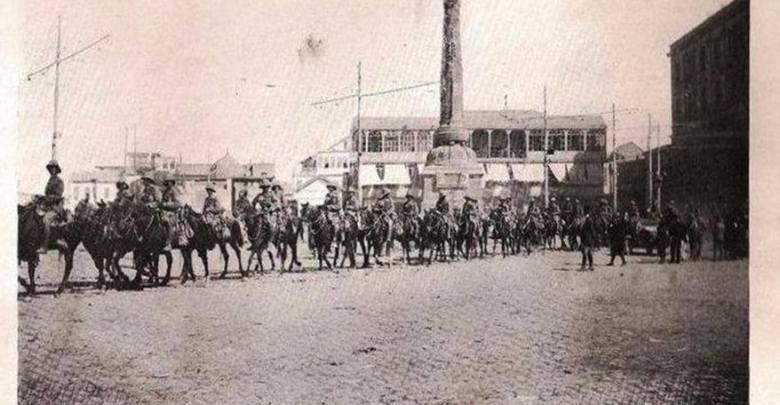 دمشق 1918- القوات البريطانية تعبر ساحة المرجة